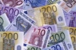 Официальный курс евро снова вырос выше 59 рублей