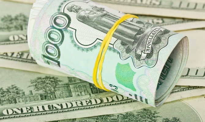 Доллар и евро выросли до 74 и 91 рубля