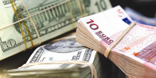 Рубль укрепляется на фоне роста цен на нефть