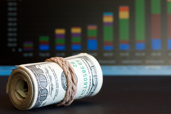 Курс доллара превысил 57 рублей