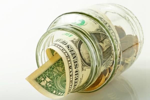 Курс доллара поднялся выше 64 рублей