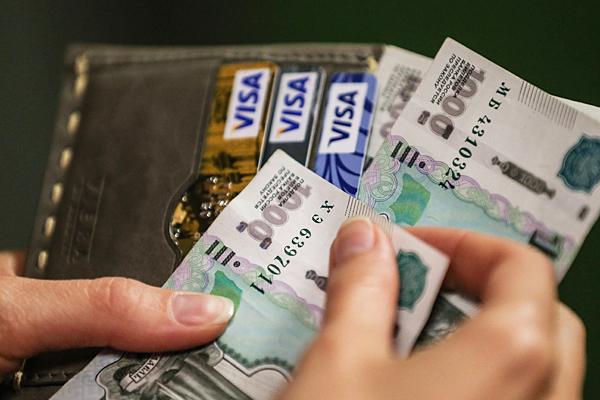 Реальные доходы россиян увеличились впервые за год