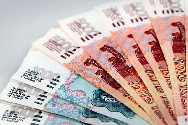 Рубль на бирже укрепился на новостях из Китая