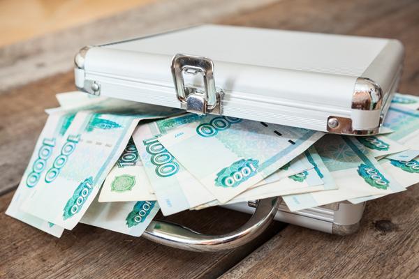Компании в 2016 году повысят зарплаты россиянам
