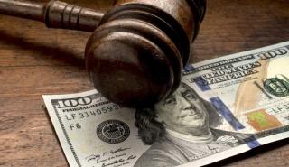 Власти США закрыли два банка