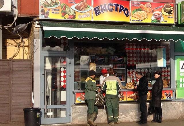 Роспотребнадзор готовит единые правила работы уличных киосков по продаже еды