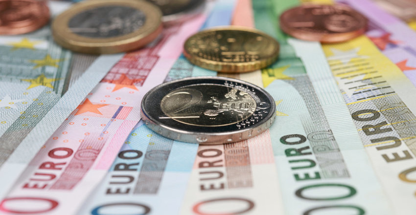 ЦБ опустил курс евро ниже 88 рублей