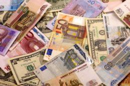 ЦБ: фальшивых денег в России стало меньше