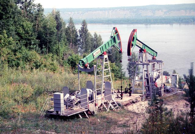 Цена нефти Brent поднялась до отметки в 49 долларов