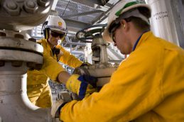 Shell сократит еще 2,2 тыс. рабочих мест в 2016 году