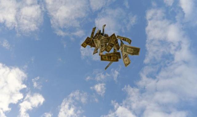 ВЦИОМ: россияне ожидают доллар по 69-70 рублей