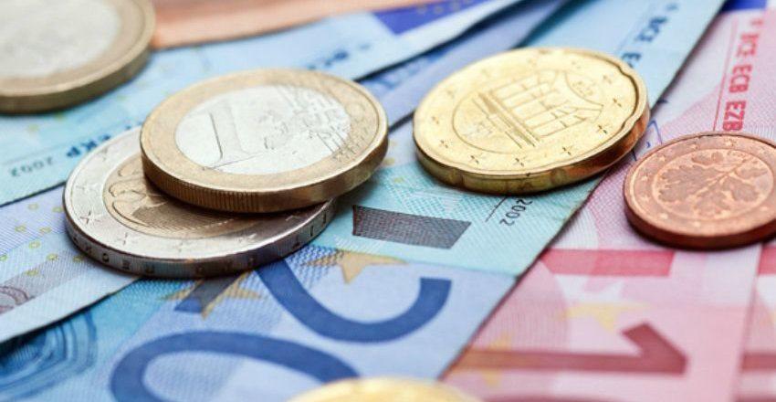 Курсы рубля и евро попали в зависимость от безработных США