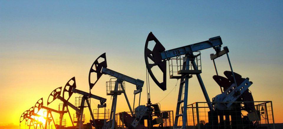 Нефть пытается восстановиться после обвала