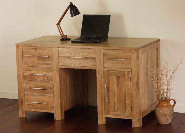Преимущества и недостатки мебели из древесного массива
