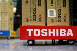 Toshiba ожидает огромные убытки, инвесторы паникуют