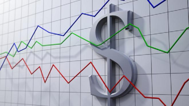 Курсы доллара и евро обновили минимум с июля 2015 года