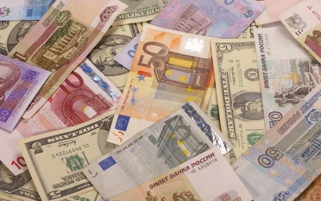 ЦБ: реальный курс рубля вырос в феврале на 1,7%