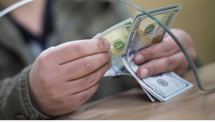 Доллар вернулся в июль 2015 года