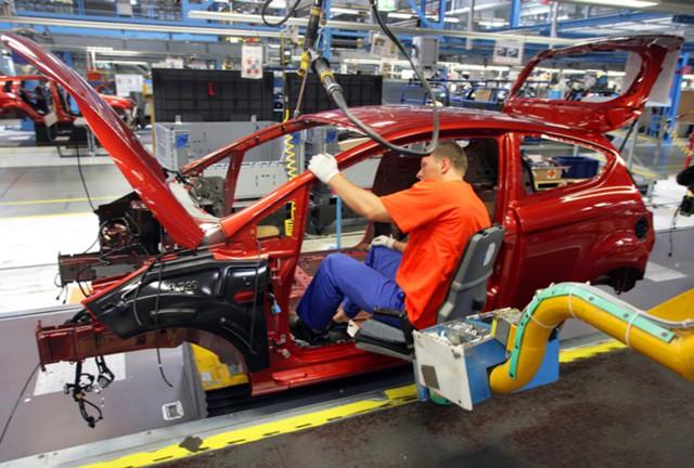Кабмин выдал 41,3 млрд рублей на поддержку автопрома