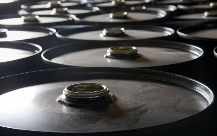 Цена нефти Brent поднялась выше $57 за баррель впервые с марта
