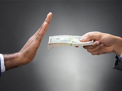 Не очень-то и хотелось: банки уходят с долгового рынка