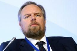 Экс-банкир Дмитрий Ананьев избавляется от активов в России