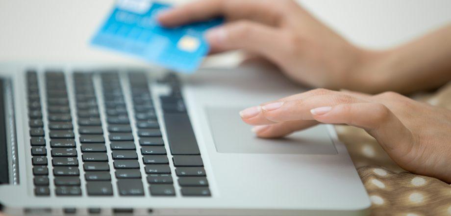 Как получить деньги в долг с помощью кредитного сервиса