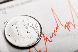 Мантуров: ослабление рубля пока не драматично для промышленности