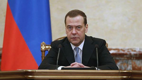 Медведев: выделение бюджетных инвестиций должно быть простым