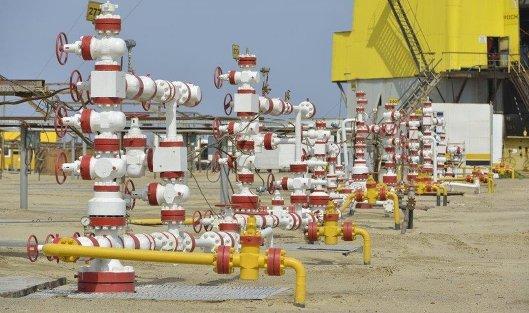 Иран намерен продолжать продажу нефти и выживать вопреки санкциям США