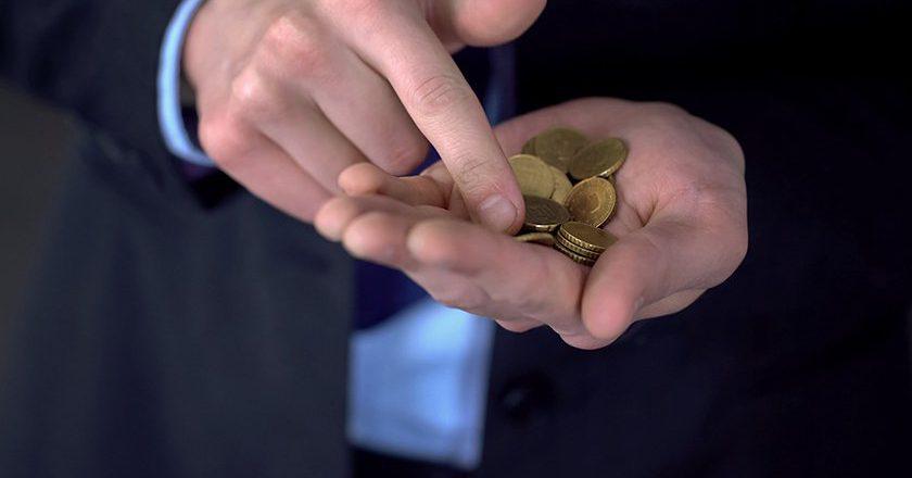 В Счетной палате объяснили, почему реальные доходы россиян продолжат падать в 2019 году