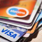 Исследование: банки резко сократили выпуск кредитных карт