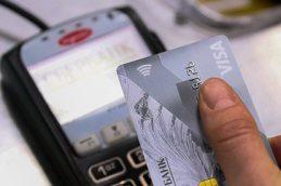 Visa на год снизила комиссию для новых мелких торговцев