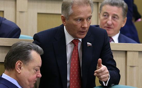 Новым мажоритарным акционером Интерпромбанка стал Валерий Пономарев