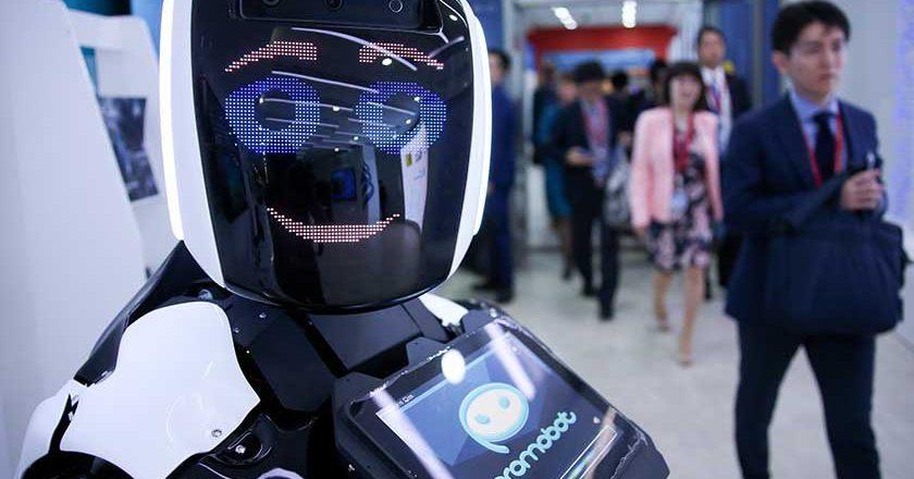 Эксперты: роботы могут занять половину рабочих мест россиян
