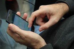 Телефоны клиентов банков мошенники воруют в базах ГИБДД, Росреестра и парковок
