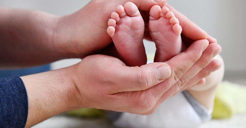 Минтруд: средняя ежемесячная выплата на первого и второго ребенка вырастет до 12 тыс. рублей