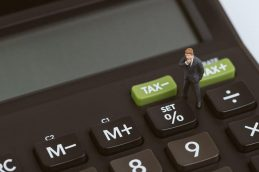 В Госдуме предложили вернуть систему привязки штрафов к МРОТ