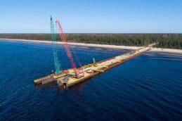 Экспортная пошлина на нефть в России снизится на $0,2
