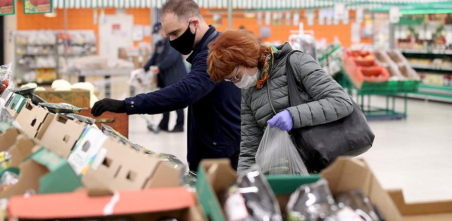 Госдума дала право кабмину регулировать цены на основные продукты