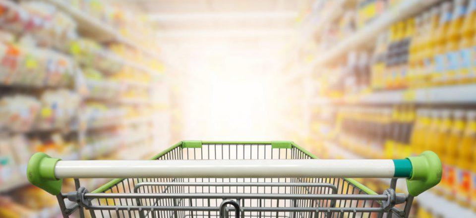 В Кремле рассказали о постоянном контроле за ценами на продукты