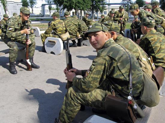 В РПЦ выступили против контрактной армии в России