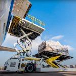 Авиадоставка грузов на самолете из Британии